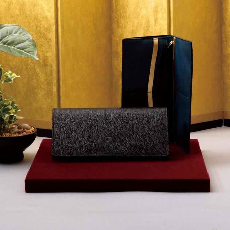 黒桟革×純金箔長財布